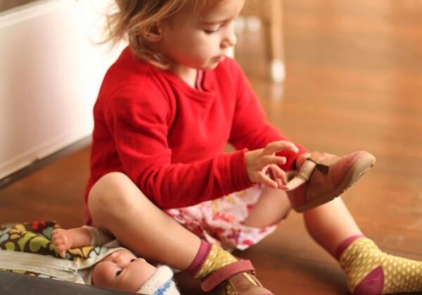 Fetita invata comportament